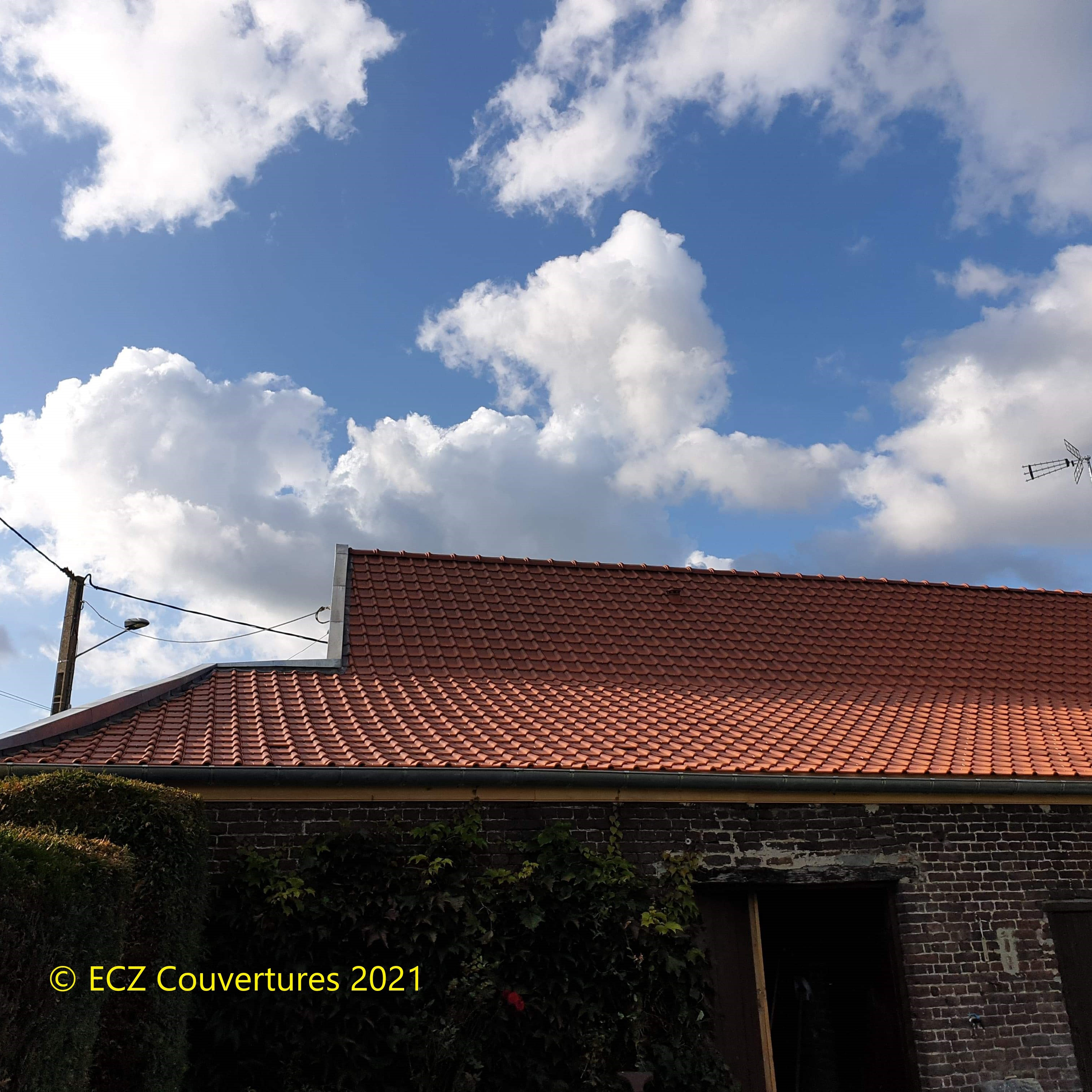 Rénovation en tuiles amarantes